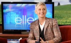 ELLEN SURPRISES AUDIENCE w/ TRIP TO AUSTRALIA